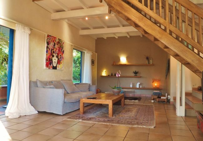 Dreaming stay in reunion island in a villa with beautiful living room