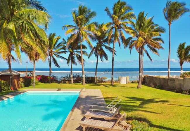 Charming villa to rent in Reunion island in front of the sea