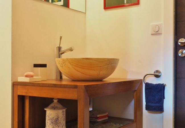 les salles de bains de la villa victoria à saint gilles les bains