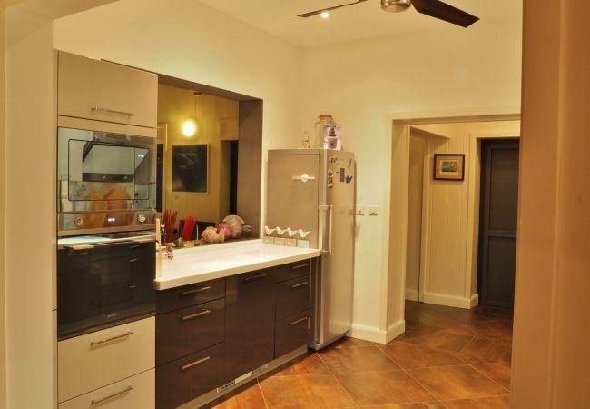 la cuisine de votre hébergement de vacances à la réunion