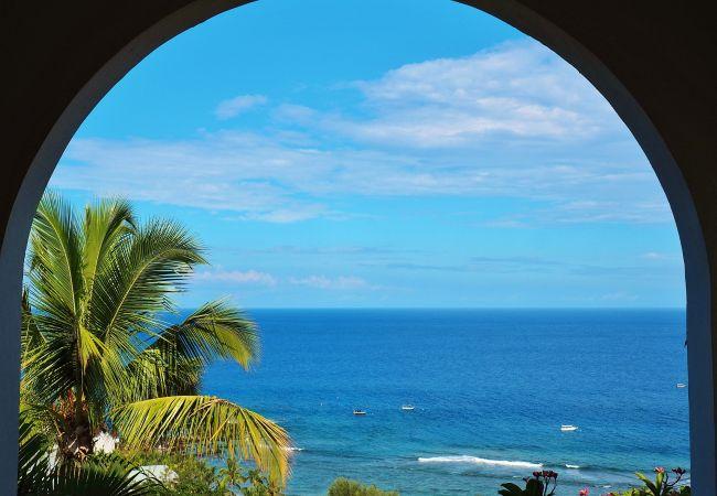 Vue mer à la villa champagne à louer sur Tropical Home