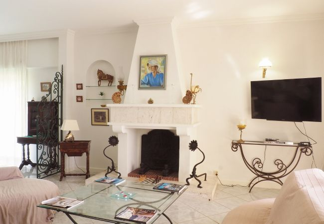 Beau salon de la villa champagne pour vos vacances à la réunion