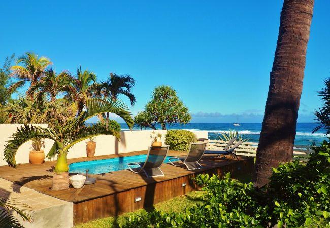 location de vacances à la réunion avec vue mer et piscine