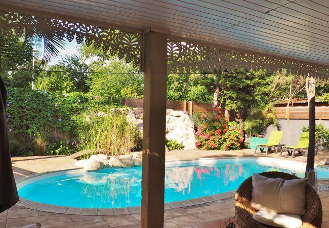 Vacances à la Réunion dans une villa avec piscine et terrasse