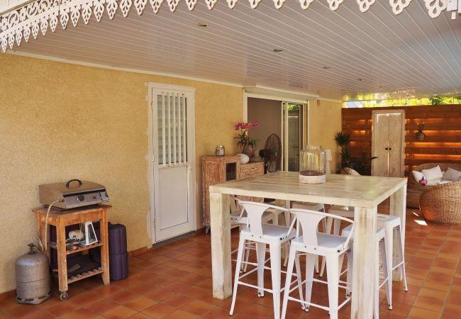 Location de villa avec terrasse pour vos vacances à la Réunion