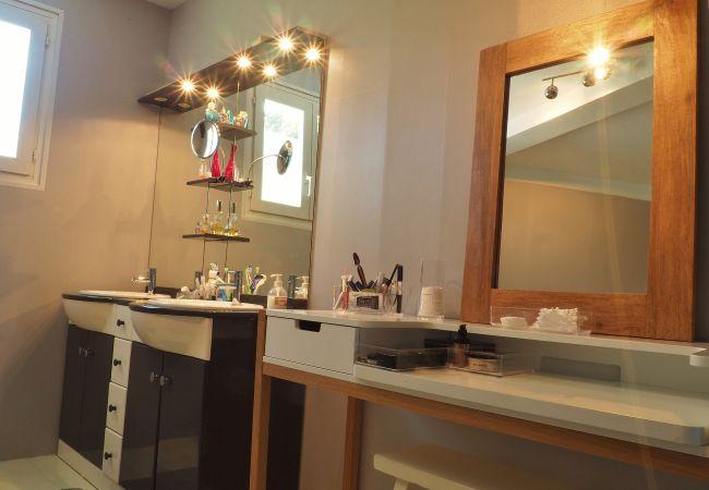 hébergement de vacances à la réunion avec belle salle de bains
