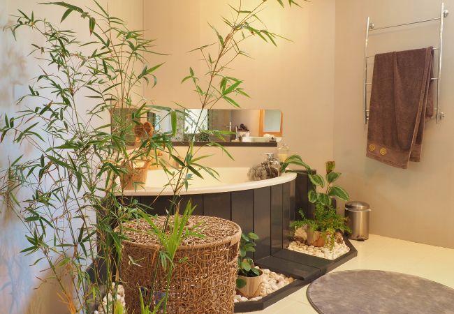 La villa Mademoiselle et salle de bains à la Saline les bains
