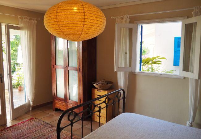 Une des chambres de la villa Sérénité à la Réunion