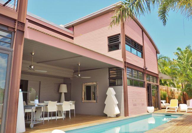 Villa d'architecte avec piscine pour des vacances à la Réunion