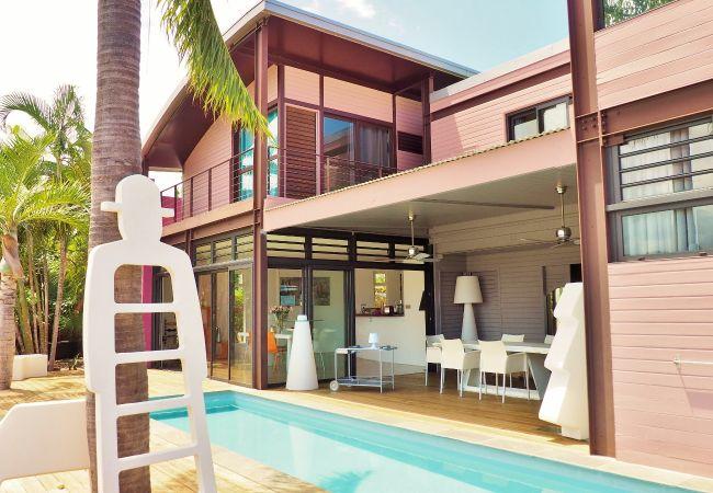 Magnifique maison contemporaine avec terrasse et piscine