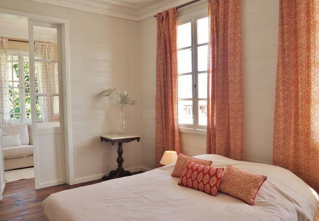 Appartement meublé avec charme et cachet 97400