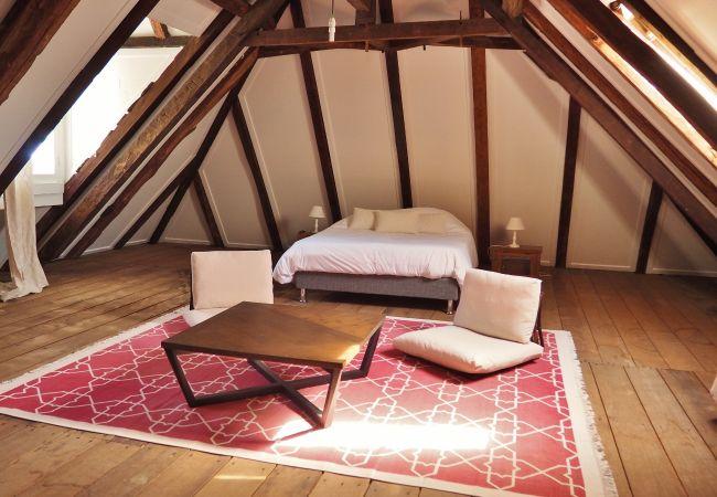 Magnifique chambre de l'appartement Gasparin à la Réunion