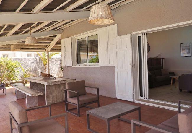 Villa face à la plage et au lagon de la Saline les Bains