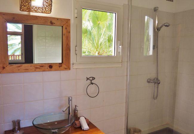 Villa avec 4 chambres et 4 salles de bains