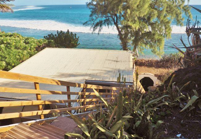 Magnifique bungalow surplombant l'océan indien à saint gilles