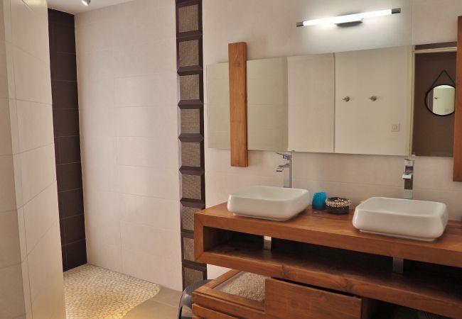 location saisonnière avec 2 salles de bains