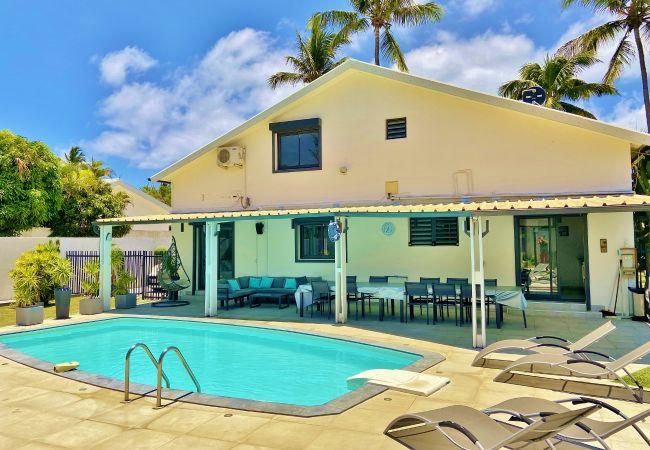 La villa Evasion est une location saisonnière avec piscine