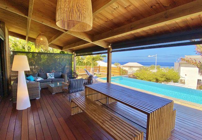 Location de vacances avec grande terrasse à la réunion