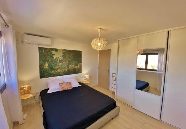 Location de vacances avec 4 chambres à la saline
