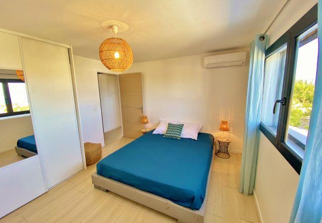 Hébergement avec 4 chambres et piscine à la réunion