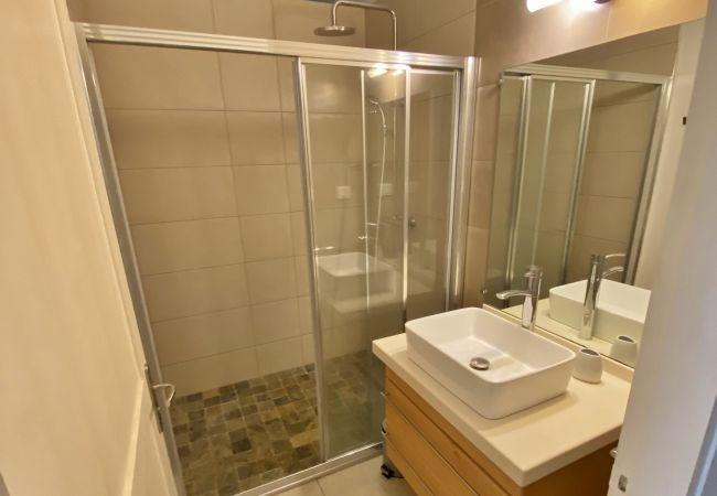Hébergement de vacances avec 4 chambres et 3 salles de bain